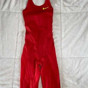 Nike NG-1 kneeskin size 23 in Action Red